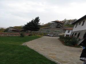 оаза (двориште манастира